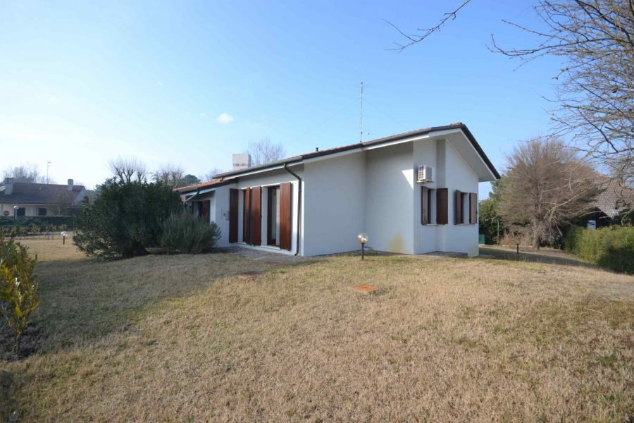 Albarella villa for rent by Immobiliare Sep agency