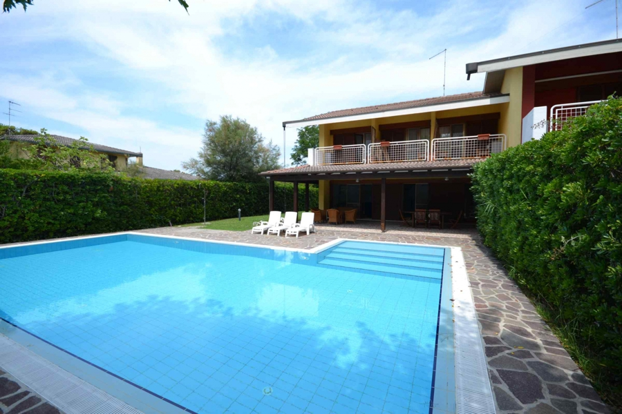 Albarella villa with pool for rent by Immobiliare SEP agency